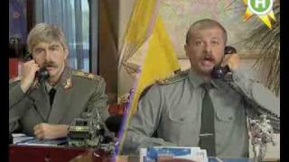 видео «Армия мини-юбок». Как россиянки в погонах поразили мир на Параде Победы