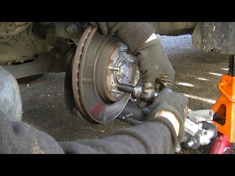 bremsbeläge-vorne-und-bremsscheibe-ersatz