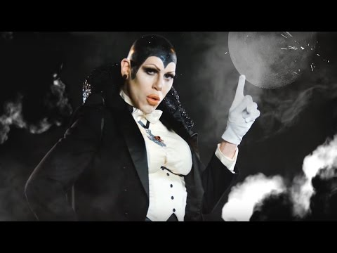 Sharon Needles  Dracula