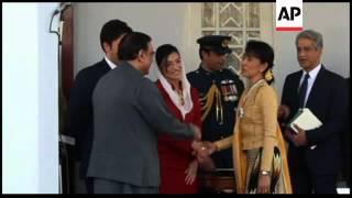 Pakistan President Zardari, on Myanmarvisit, meets Suu Kyi