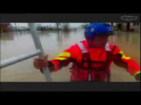 Fushë Krujë, grupi i xhirimit i Ora News ndjek operacionet e evakuimit në Urën e Gjoles (pjesa I)