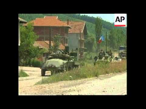 KOSOVO: YUGOSLAV ARMY MOVING OUT OF PROVINCE