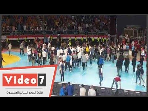 خناقة الأهلى والزمالك قبل تتويج الأخير ببطولة كرة اليد  - 19:23-2018 / 4 / 14