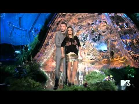 Mila Kunis & Justin Timberlake present Best Male Performance at MTV Movie Awards
