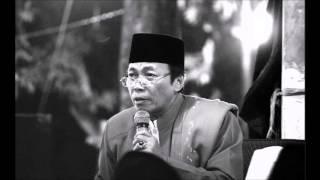 KH. Musthofa Aqiel, Khitanan vol 01