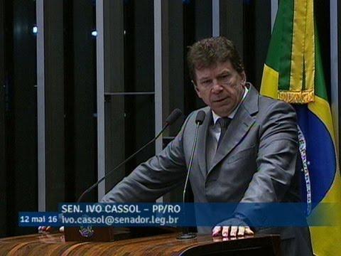 Ivo Cassol anuncia voto a favor da admissibilidade do processo de impeachment de Dilma