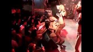 Repeat youtube video โคโยตี้ ปากช่องโชว์ ปะทะ เก๋แดนซ์ ที่จันทบุรี