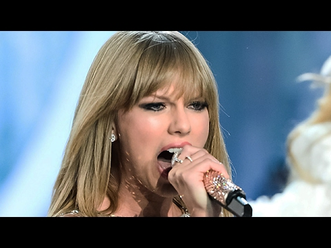 Taylor Swift Super Bowl Performance - 'I Don't Wanna Live Forever'