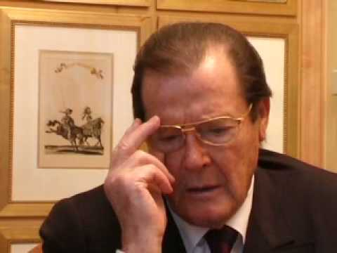 Roger Moore's hilarious Niven story