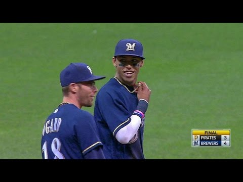 PIT@MIL: Arcia makes great play to secure the win