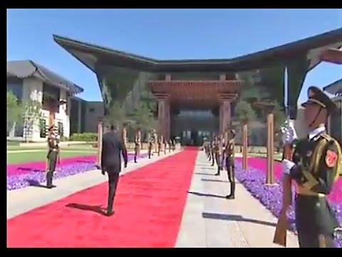 Uhuru Kenyatta Grand Entrance in China.Driven in Super Expensive Car and Welcomed with Military