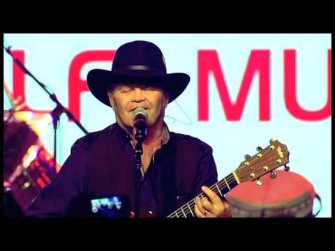 Micky Dolenz with Sixwire - Last Train To Clarksville