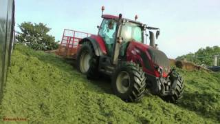 On the Pit. -  Silage making with Pitwork.