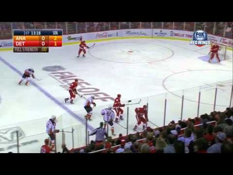 Hockey IQ - Joakim Andersson pays the price and helps out DeKeyser on the PK
