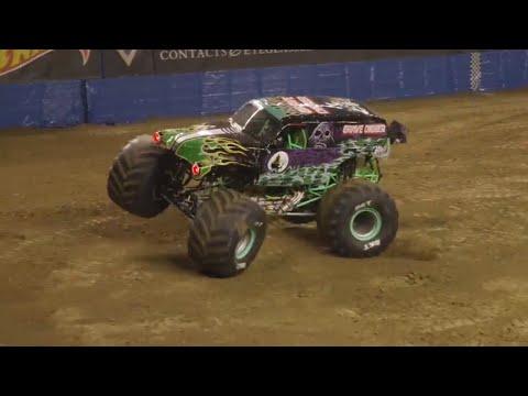Grave Digger Winning Freestyle - Council Bluffs | Monster Jam 2018
