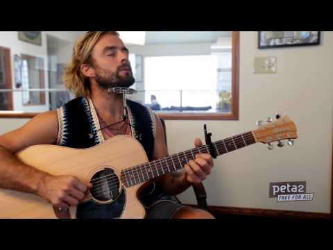 Exclusive Xavier Rudd Interview and Performance