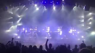 Backstreet Boys entrance Larger Than Life