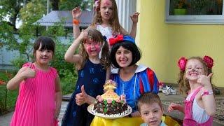 видео Що приготувати дітям на солодкий стіл на день народження