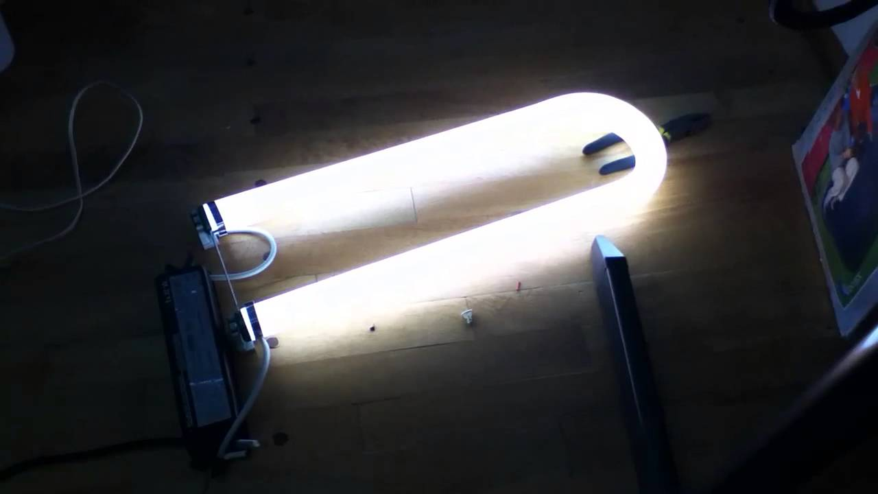 Philips t12 34w fluorescent u tube running on t8 32w ballast philips t12 34w fluorescent u tube running on t8 32w ballast youtube arubaitofo Images