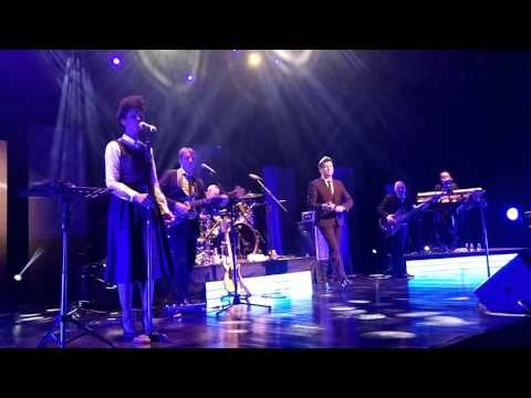 Rick Astley - Cry For Help (November 30 2015) LIVE in Manila!