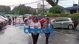 Download Video Hilda Vitria dan Nikita Mirzani Kompak Berbaju Putih di Sidang Kriss Hatta, Ada apa? MP3 3GP MP4