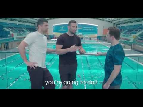 Oliver Dingley teaches Rob Kearney how to dive