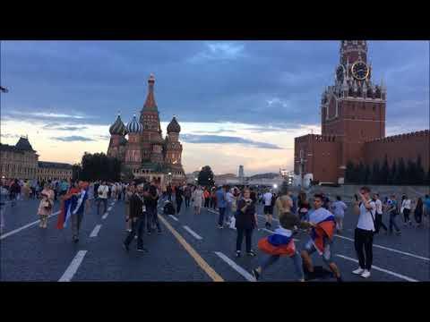 Смотреть клип Акробатический рок-н-ролл на Красной площади. Acrobatic rock-n-roll on the Red square онлайн бесплатно в качестве