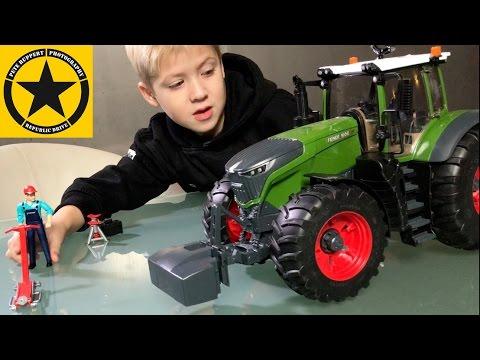bruder toy tractors for kids fendt 1050 vario unboxing. Black Bedroom Furniture Sets. Home Design Ideas