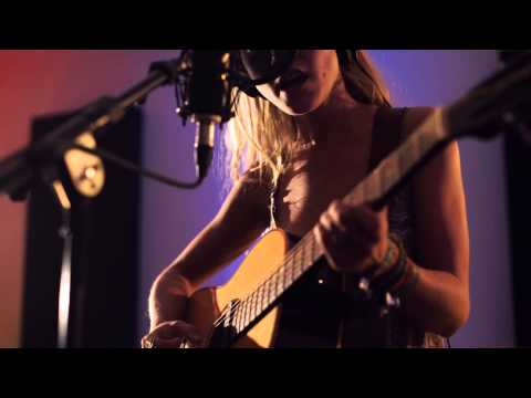 Alice Phoebe Lou - Society (Popsicle Studio Session)