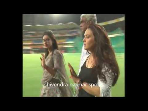 IPL 2018 | Kings XI Punjab INDORE  Match practice | preity zinta thumbnail