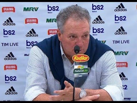 """Abel manda """"isso aqui é Flamengo"""" e revela papo do intervalo"""
