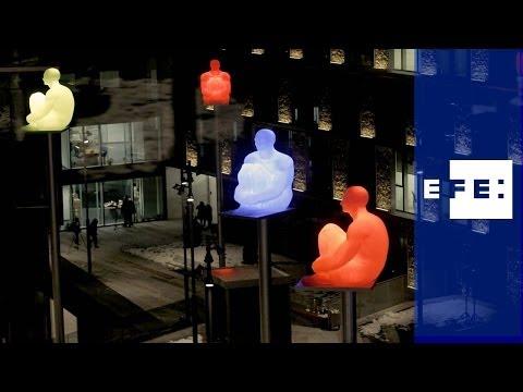 """Los """" 7 poetas """" de Plensa iluminan Andorra."""