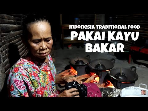 serabi-tradisional-kerun-ayu-buka-tengah-malam-masih-pakai-kayu-bakar