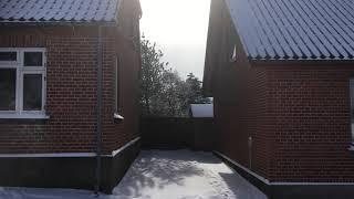 7.  Solen mellem to huse. Varighed: 15sek