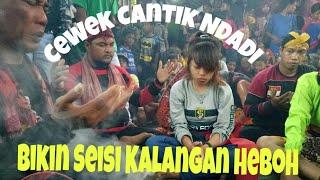 Cewek Cantik Tiba2 Ndadi Bikin Seisi Kalangan Heboh - Jati Putro live Jatikapur Tarokan 2019