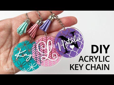 acrylic-keychain-tutorial-diy-|-vinyl-on-acrylic-keychains-|-diy-craft-tutorials