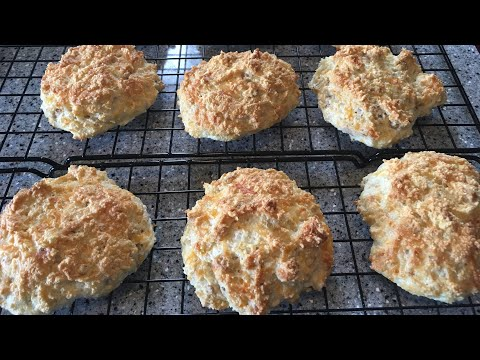 Keto Bacon & Cheddar Biscuits