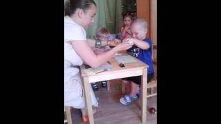 ИЗО творческий урок у малышей в Монтессори центре в Краснодаре
