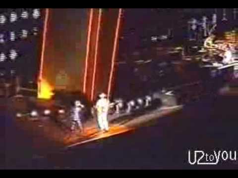 U2 - Mysterious Ways (Popmart Tour)
