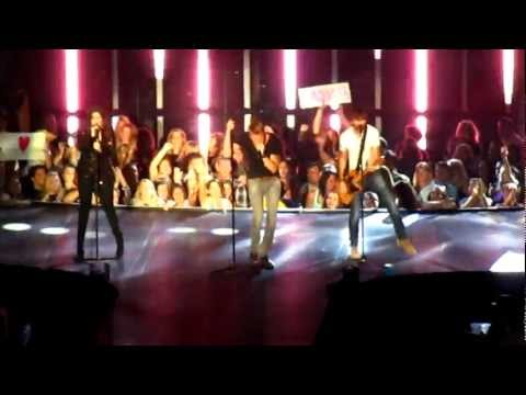 Lady Antebellum -Love This Pain LIVE