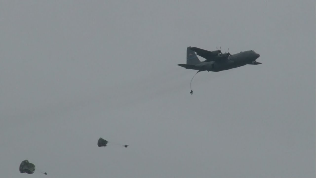 2016 Joint Base Mcguiredixlakehurst Open House & Airshow  C130 Hercules  Airdrop Demonstration
