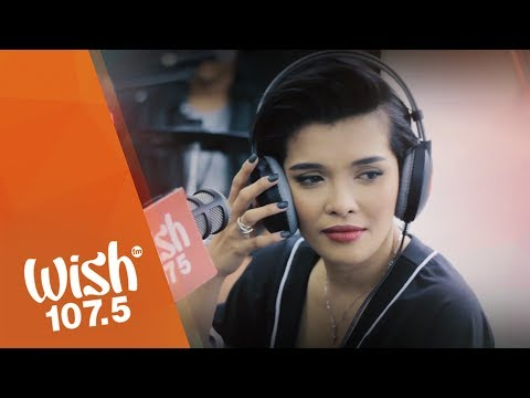 KZ Tandingan sings Mahal Ko o Mahal Ako on Wish 1075 Bus