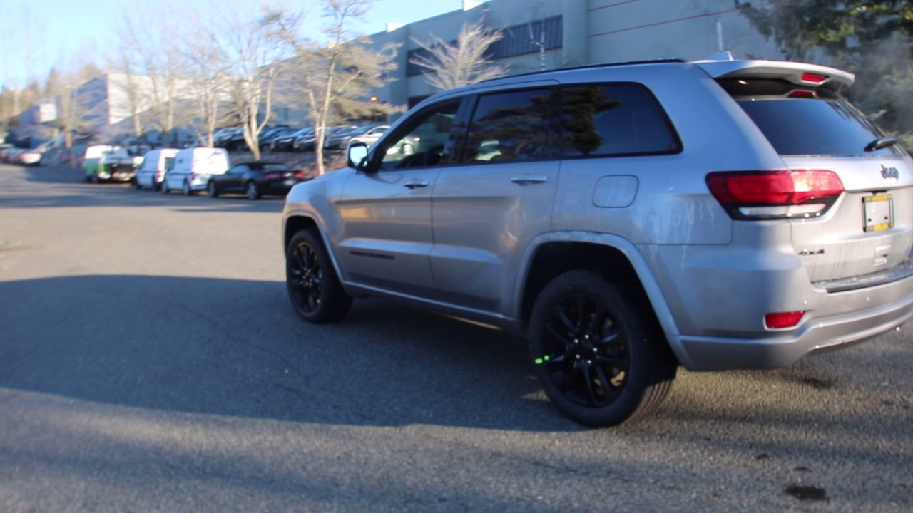2017 Jeep Grand Cherokee Altitude Silver