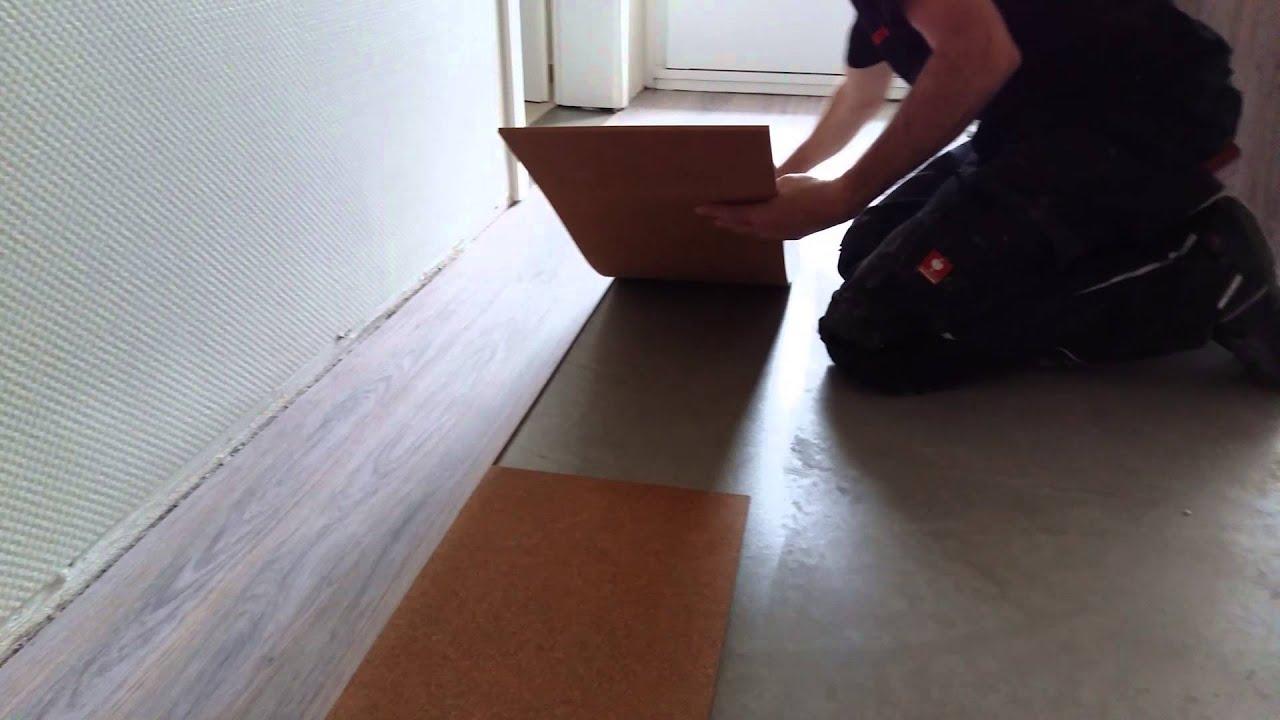 kork laminat mit kontakt kleber youtube. Black Bedroom Furniture Sets. Home Design Ideas