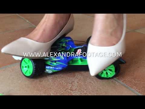 Mamas Missgeschick | ALEXANDRA FOOTAGE (Toy Car Crush, High Heels)