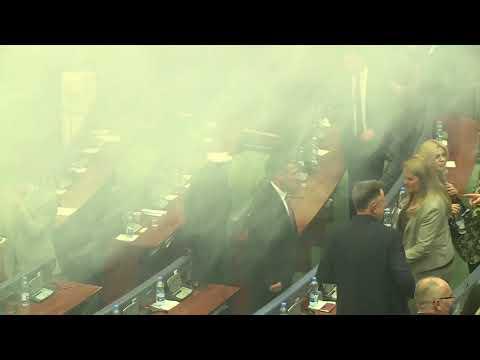 Tear gas disrupts Kosovo parliament