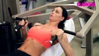 Упражнения для мышц груди: видео от Настасьи Самбурской(Как накачать мышцы груди: видео с эффективными упражнениями для женщин от звезды комедии «Женщины против..., 2015-05-26T14:37:11.000Z)