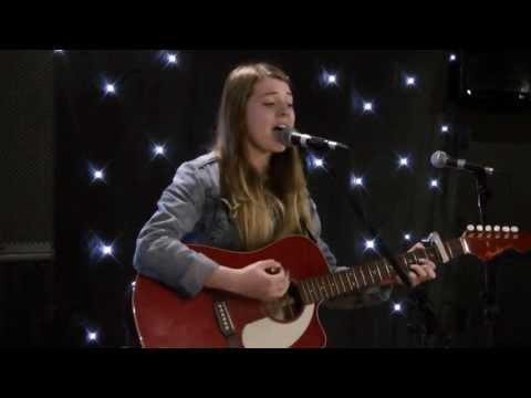 Rachel Mcalpine - Travellers (LIVE)