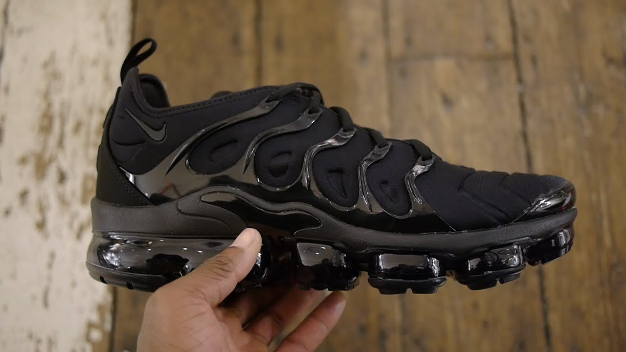 sports shoes 52a67 bfc6f Air Vapormax Plus Quick Look & On Feet (Triple Black Feat. Blue, Khaki +  Gold)