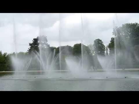Versailles grandes eaux 6: colonnade-Quinconce du midi-Bosquets des Rocailles